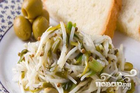 Закуска из зеленого лука с сельдереем