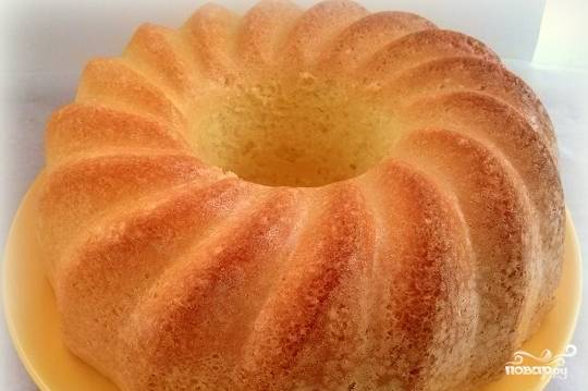 Ванильный бисквит на кипятке - замечательная основа для любимого вашего торта. Минимум усилий — и ароматный, нежный, вкусный бисквит готов.