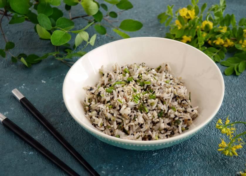 Рис с зеленым луком