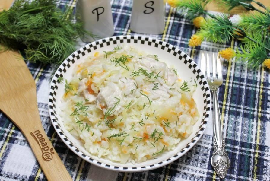 Индейка с квашеной капустой готова. Простое, сытное, вкусное и полезное блюдо.