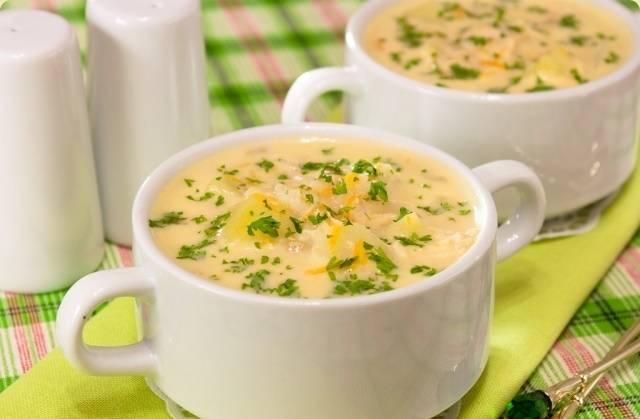 Снимаем суп с огня, даем ему настояться под крышкой 10 минут и подаем к столу. Также можно присыпать измельченной зеленью. Приятного аппетита!