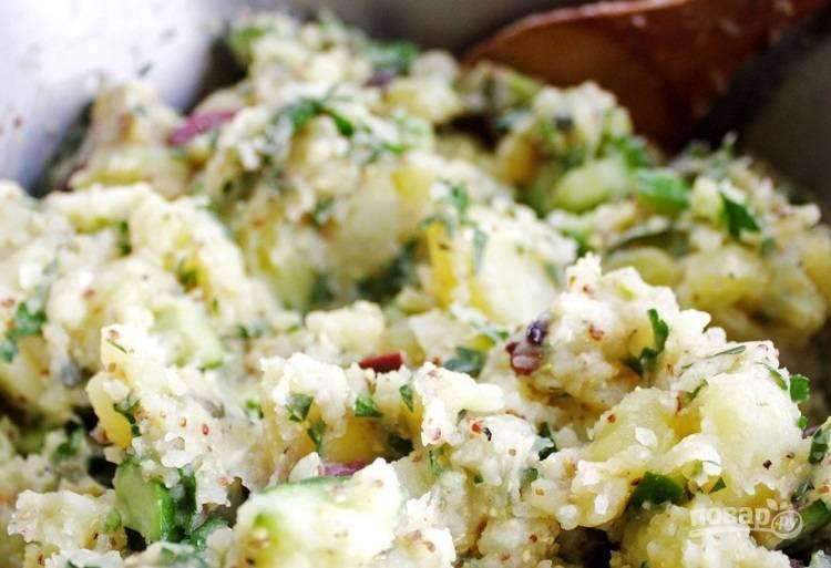 9.Перемешайте салатик, по вкусу добавьте соль или перец по необходимости.
