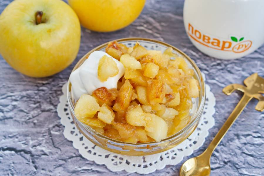 Карамелизированные яблоки на сковороде