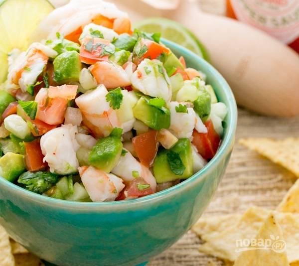 5.Подаю салат сразу после приготовления. Он легкий, с приятной кислинкой.