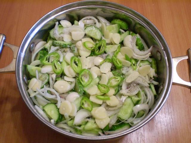 8. Добавляем в салат.