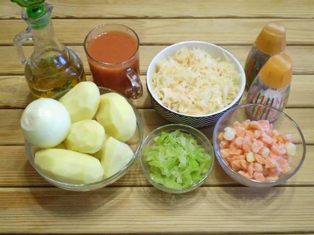 1. Приготовим продукты для рагу. Часть продуктов у меня уже вымыта и нарезана заранее.