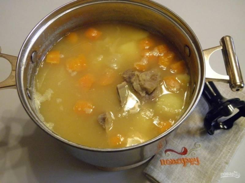5. Суп-пюре готов. Верните мясо в суп.