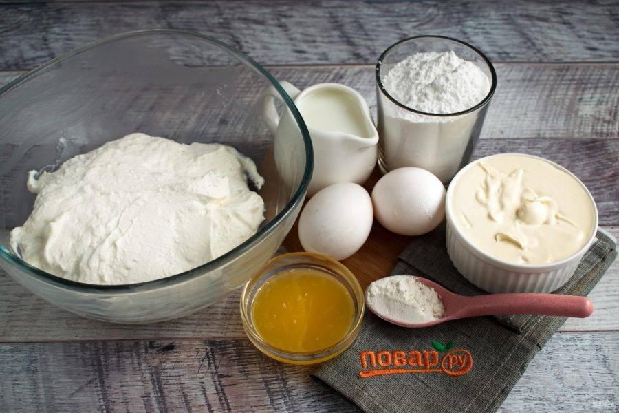 Теперь подготовьте продукты для начинки чизкейка.