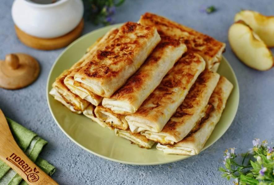 Пирожки из лаваша готовы. Очень вкусно как в теплом, так и в остывшем виде. Приятного аппетита!