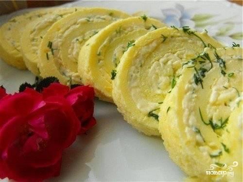 Омлетный рулет с плавленым сыром
