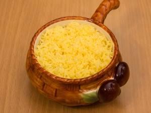 Присыпаем сыром и запекаем в духовке 30 минут, температура 180 градусов.