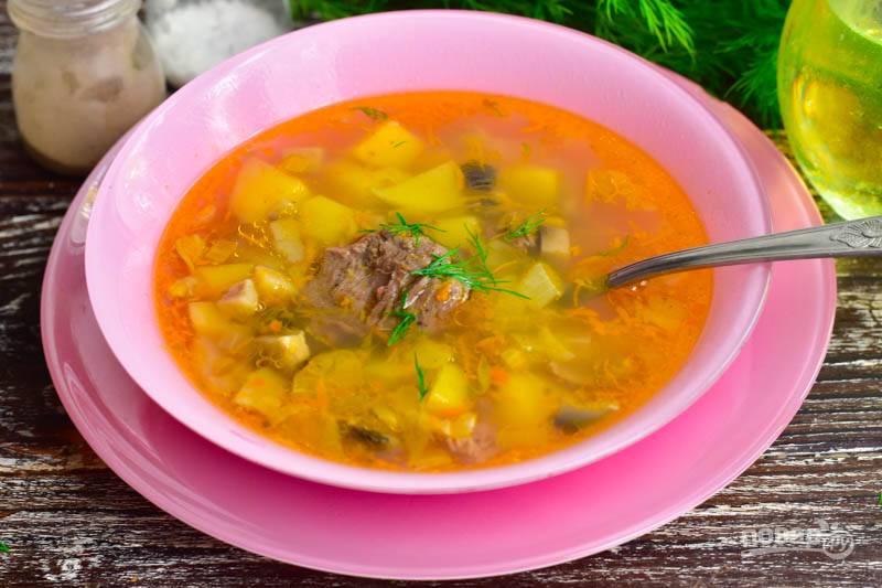 Вот такой суп с тушенкой и грибами получился! Приятного аппетита!