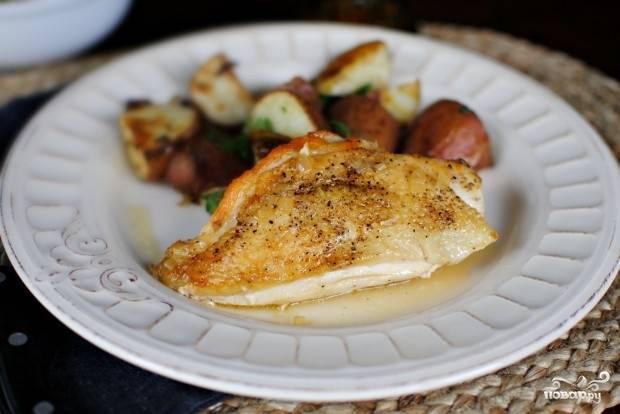 Курица с корочкой на сковороде