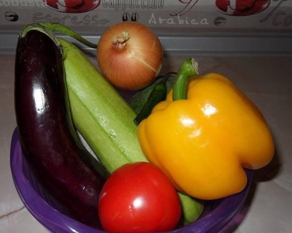 Овощи моем.