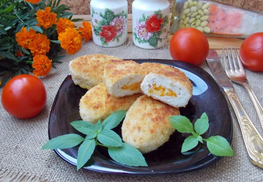 Куриные зразы с морковью и сыром