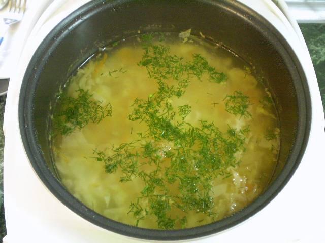 7. В конце варки добавьте зелень. Суп готов. Приятного!