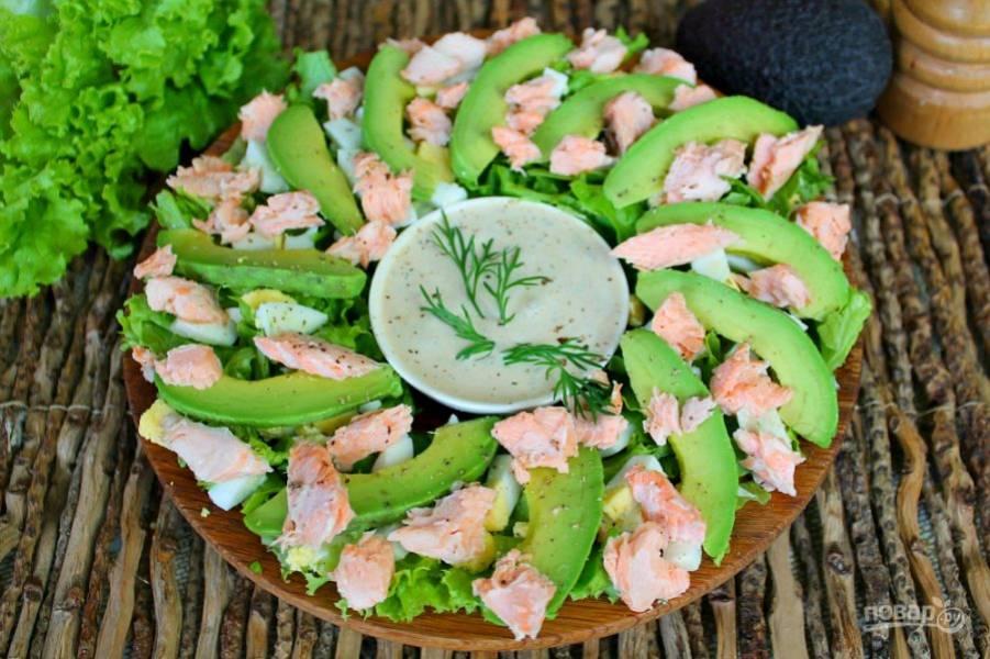 """Салат """"нежность"""" готов. Перед подачей салат поливаем соусом или же, оставляем соус в пиале и  окунаем в соус наколотые на вилку кусочки.  Приятного аппетита!"""