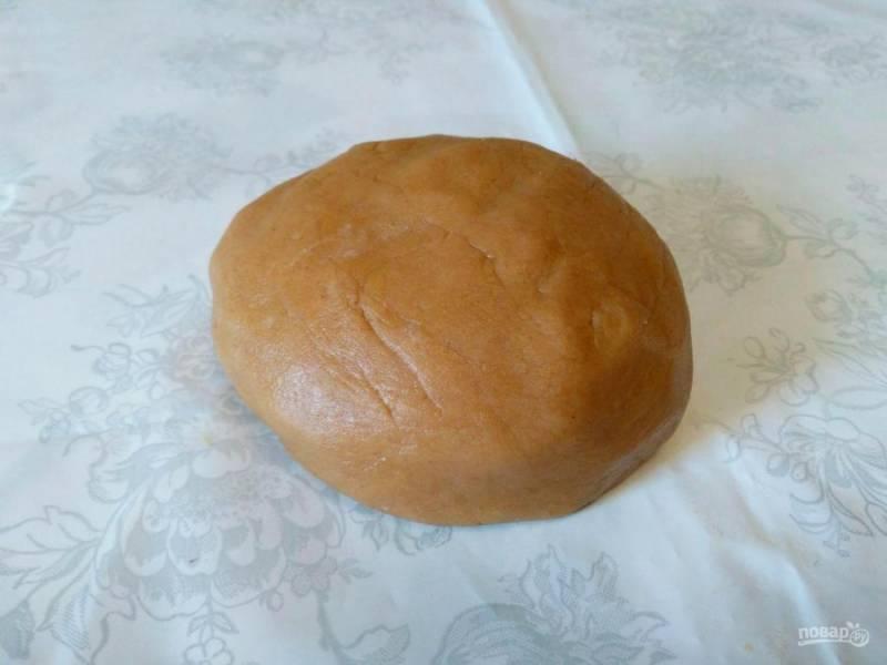 Тесто для кофейного печенья получается мягким, пластичным и имеет приятный цвет.