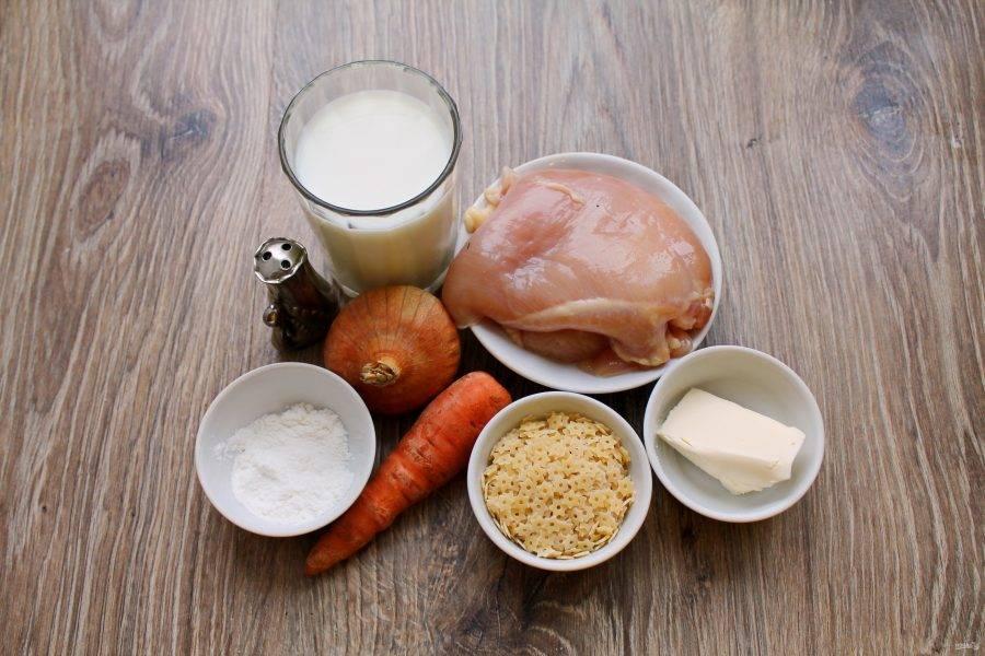 Подготовьте все необходимые ингредиенты для приготовления молочного куриного супа.