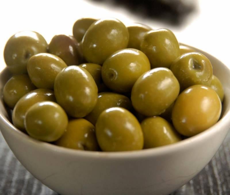 3. Последним штрихом станут оливки.