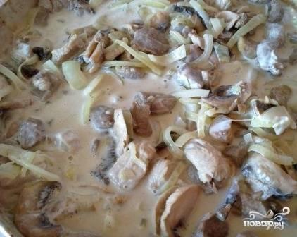 В итоге получаем вкусное и сочное мясо и нежную подливу.