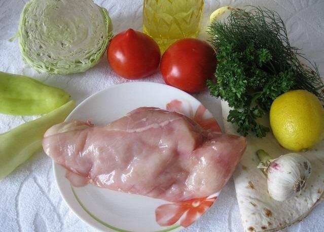 Подготовьте необходимые ингредиенты. Мясо и овощи тщательно промойте.