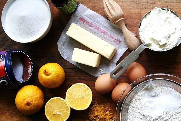 1. Первым делом включите духовку и пусть разогревается до 180 градусов. Подготовьте все необходимые ингредиенты.