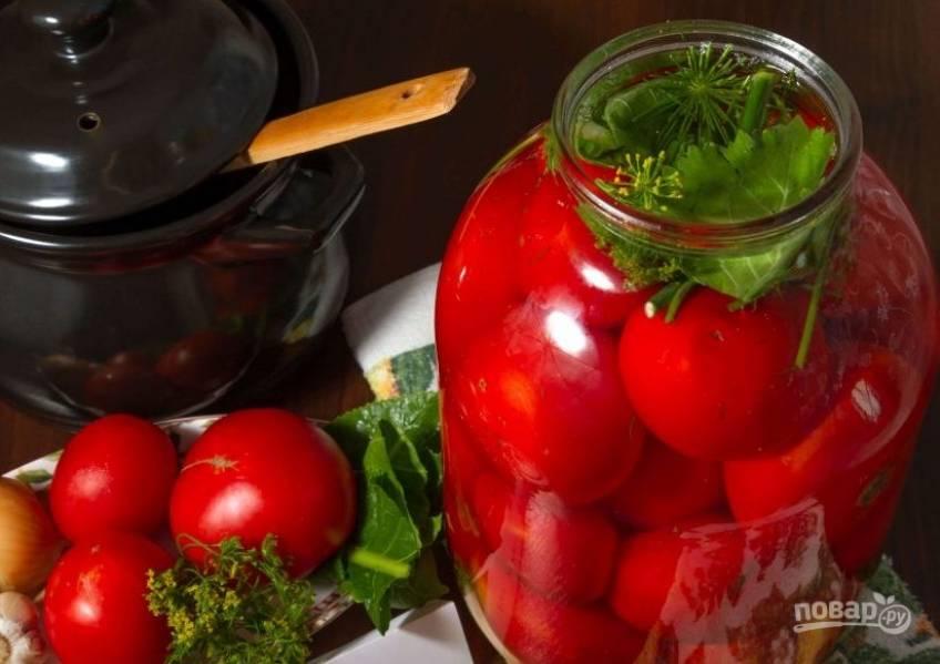5. Спустя 3 недели помидоры квашеные на зиму готовы! Отправьте их в погреб или холодильник, где они простоят долгое время.