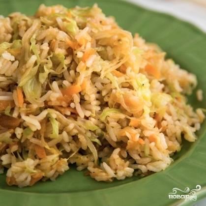 Капуста с рисом готова. Приятного аппетита! ;)
