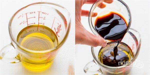 3. В глубокой емкости смешайте оливковое масло и бальзамический уксус.