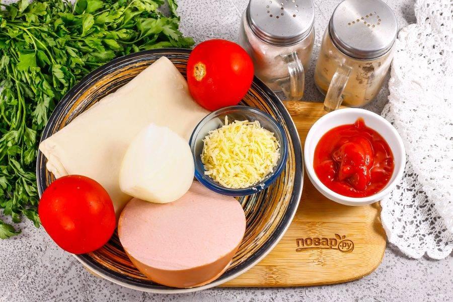 Подготовьте указанные ингредиенты. Можно добавить маслины или оливки, майонез и другие ингредиенты по своему вкусу, помимо основных.