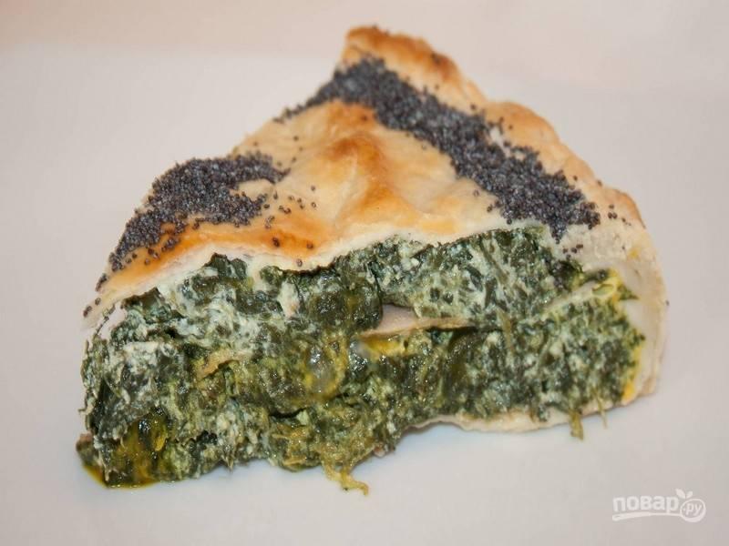 6.Подайте пасхальный пирог со шпинатом и рикоттой теплым или холодным. Приятного аппетита!
