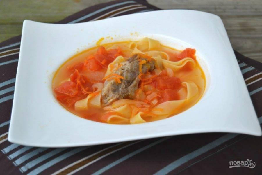 10.Выключите огонь и разлейте суп по тарелкам. Приятного аппетита!