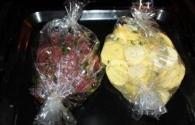 Мясо (пораньше) и картофель отправляем в духовку на полтора часа.