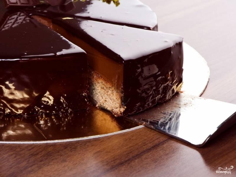 Шоколадный торт на пикник