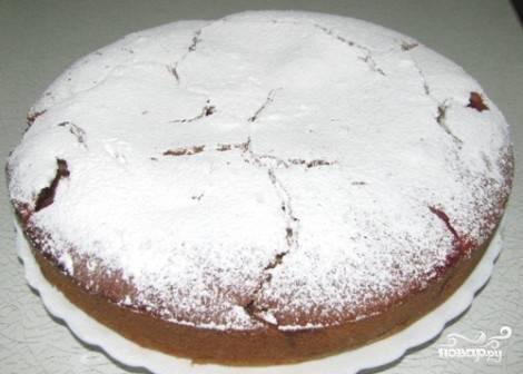 Остывший пирог посыпать сахарной пудрой. Приятного аппетита!