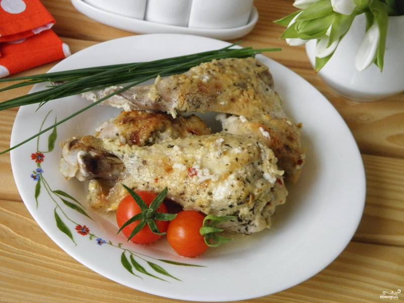 Курица в духовке под сметанным соусом