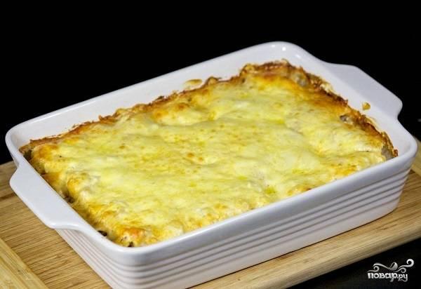 9. Вот и весь секрет, как сделать гречку с курицей. После можно накрыть форму фольгой и дать блюду перед подачей настояться еще минут 15-20.