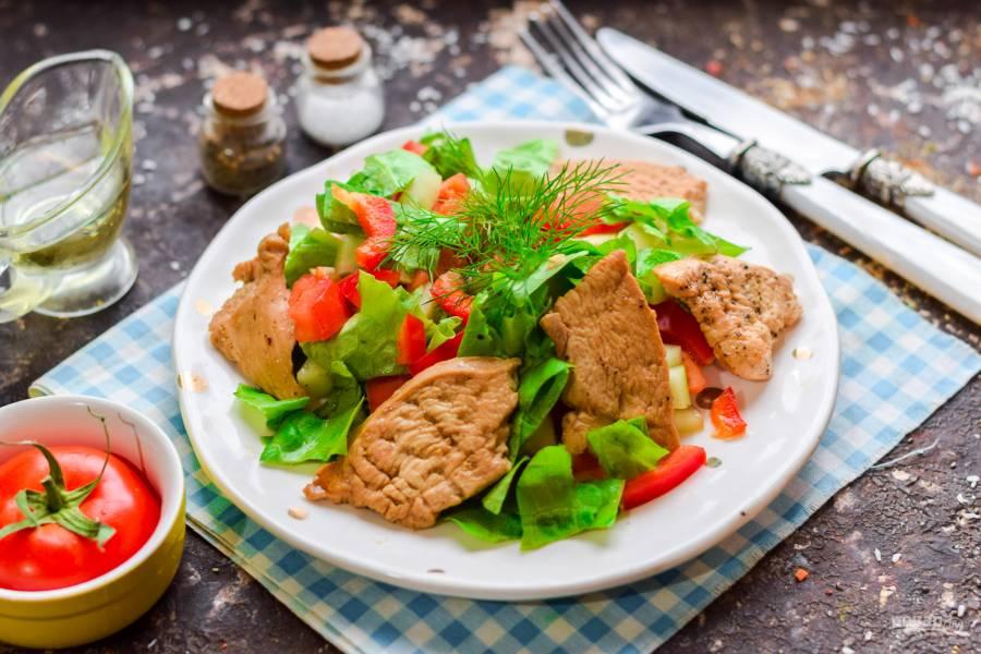 Диетический салат с куриной грудкой