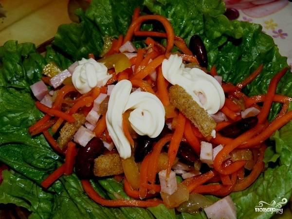 5. Вот и весь секрет, как сделать салат из корейской моркови с сухариками. Удивительно просто, быстро, сытно и вкусно.  Приятного аппетита!