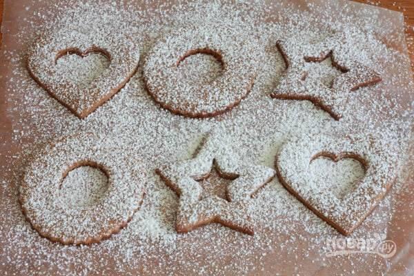 17.Вторую часть печенья посыпьте сахарной пудрой.