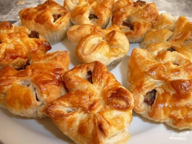 Кушаем пирожки, пока они еще горячие. Вкуснятина необыкновенная! Получились, как домашние! Приятного аппетита!