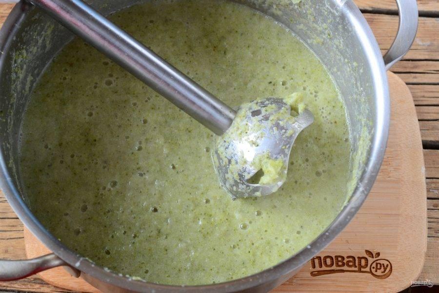 Крем-суп из брокколи для детей готов!