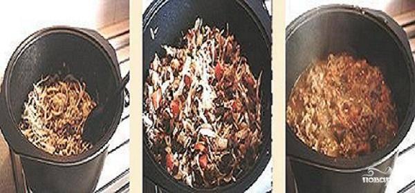 2.Раскалить в казане растительное масло и бросить туда мясо. Обжарить его до румяной корочки.  Добавить в мясо лук и чеснок. Обжарить немного. Добавить помидоры и остальные овощи. Посолить и поперчить по вкусу. Обжарить все овощи и налить бульон или воды. Когда соус закипит, уменьшить огонь и тушить всю массу 30-40 минут. Отварить лапшу. Промыть готовую лапшу под холодной водой.  Перед тем как подавать, обдать лапшу кипятком и разложить в глубокие тарелки. Залить подливой. Посыпать рубленой зеленью и полить уксусом по вкусу.