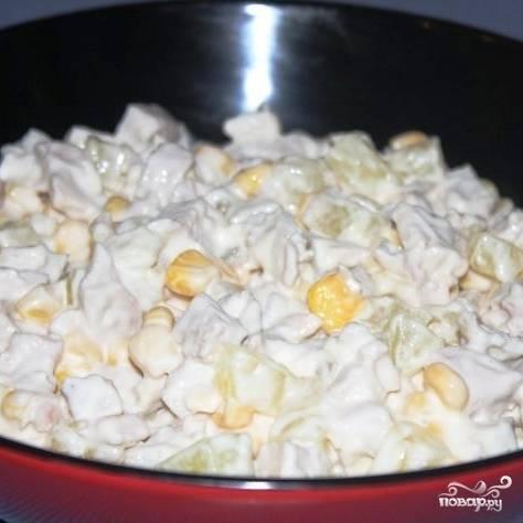 Хорошенько перемешиваем, при желании добавляем соль и перец.