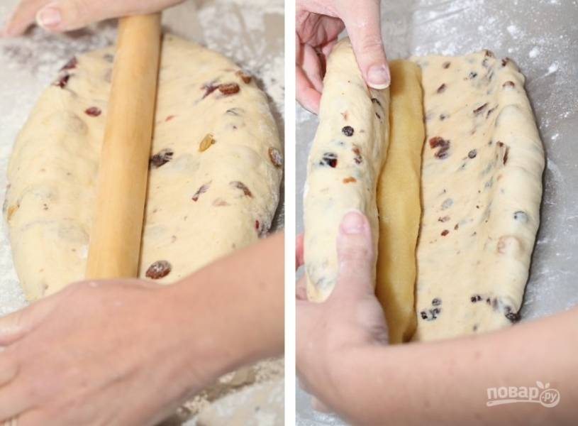 6. Раскатайте тесто, выложите в центр миндальную пасту, смешанную с желтком. Аккуратно сверните.
