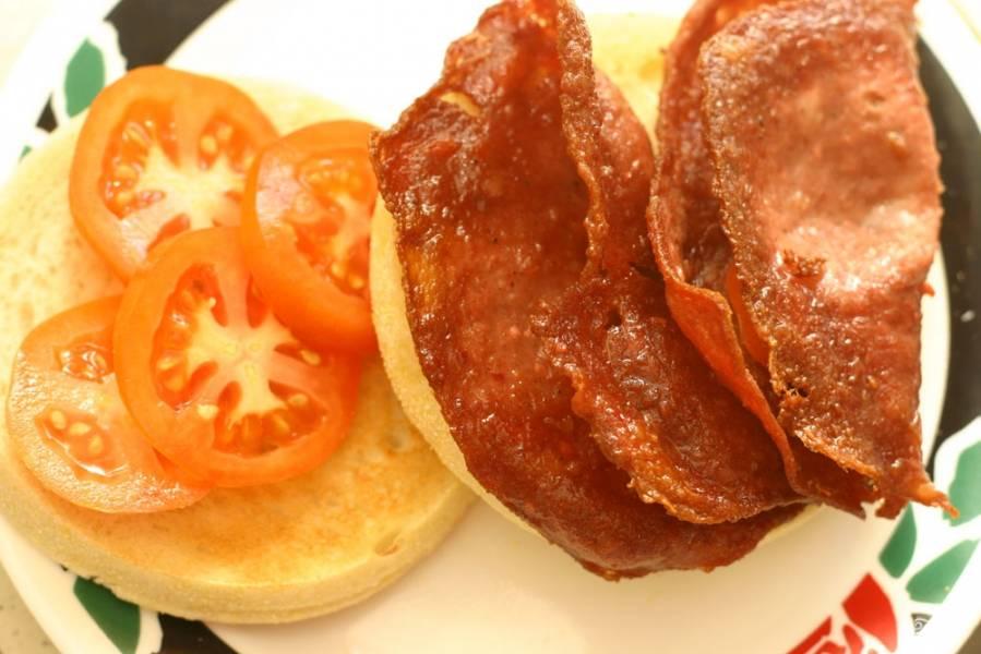 Бутерброд с жареной колбасой