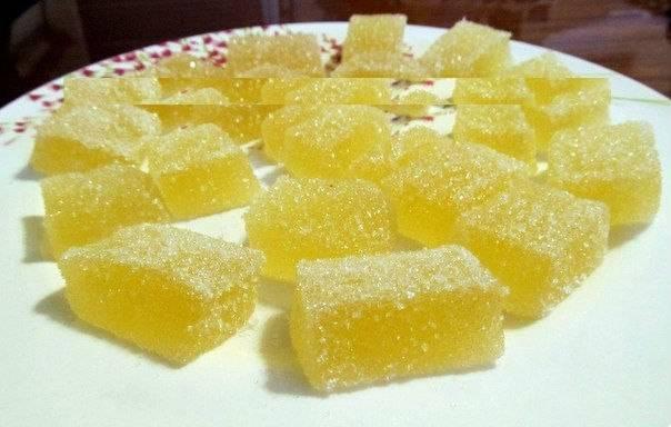 8. Также мармелад из сока в домашних условиях можно обвалять в сахаре.
