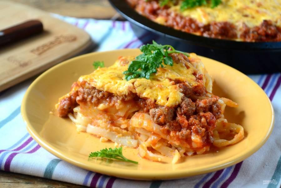 Пирог из спагетти под сыром