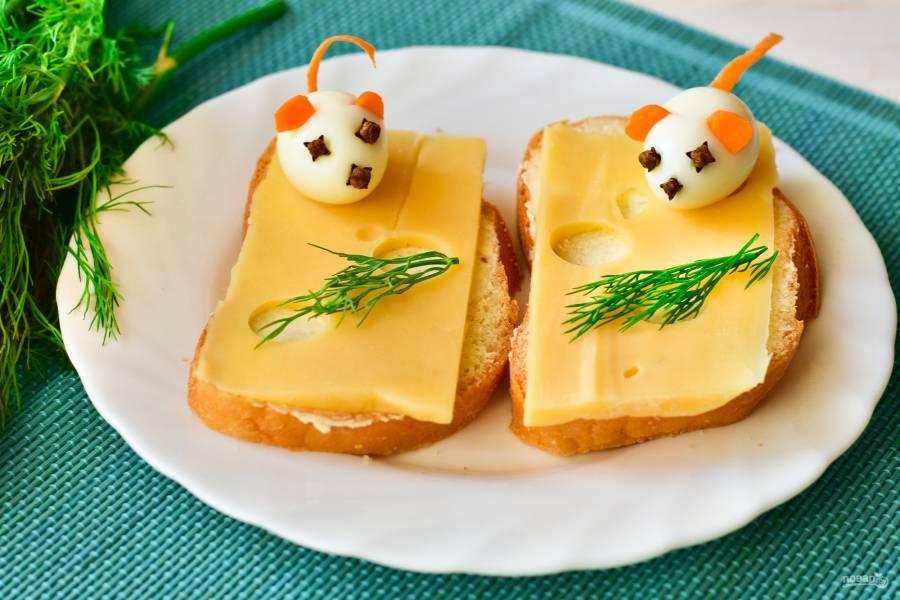 """Бутерброды """"Мышки на сыре"""""""